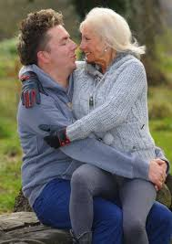 Ung man och gammal kvinna