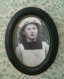 Mormor Edit som ung
