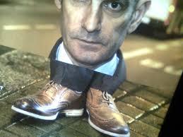 behovet-att-trycka-ner-andra-i-skorna